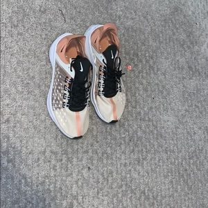 Nike EXP's sz 10 - running and walking shoe